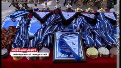maxresdefault 4 406x228 - Севастопольцы поздравили призёров ДЮФЛ и Фестиваля девичьего футбола «Ника»