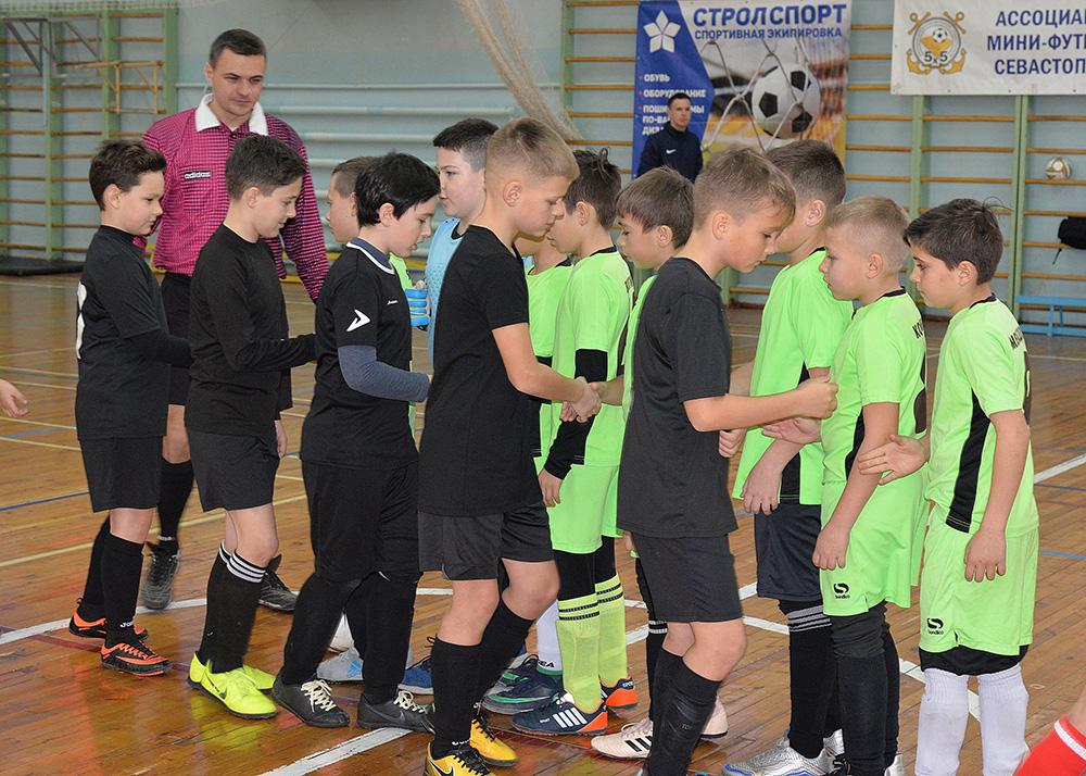 В СевГУ прошли матчи группового этапа Турнира по мини-футболу среди детских команд 2009-2010 г.р.
