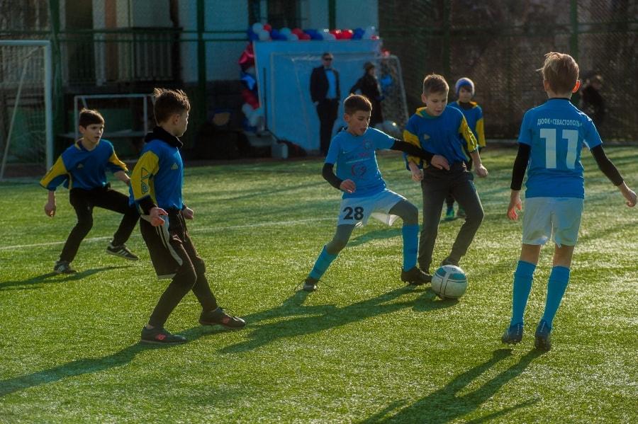 В Севастополе стартовал детский футбольный турнир «Кожаный мяч» — 2020