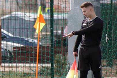 Денис Стетюха второй год подряд признан лучшим помощником судьи Открытого Чемпионата Республики Крым