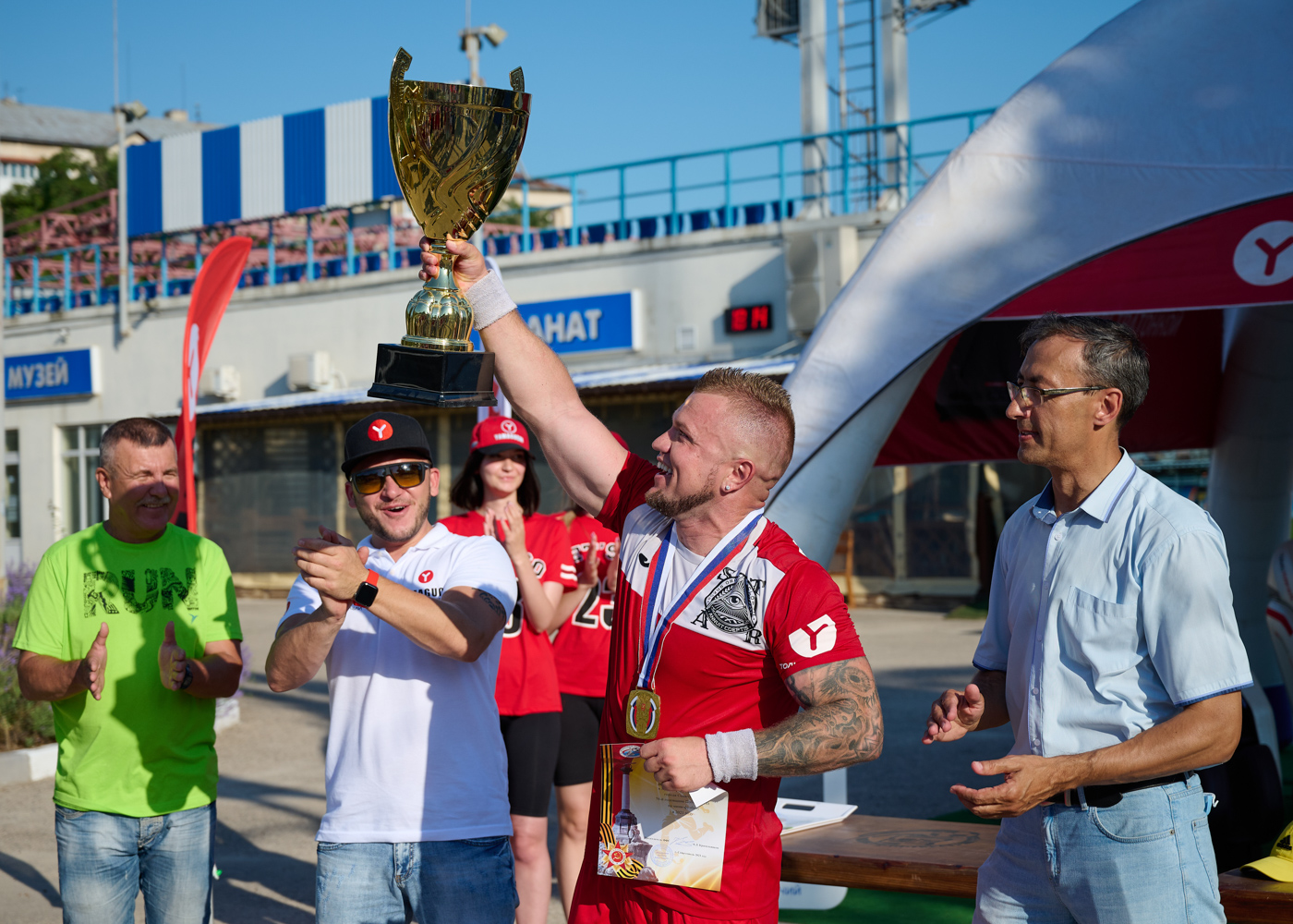 ST.AR — победитель турнира по мини-футболу, приуроченного ко Дню города Севастополя и 76-летию Победы в ВОВ