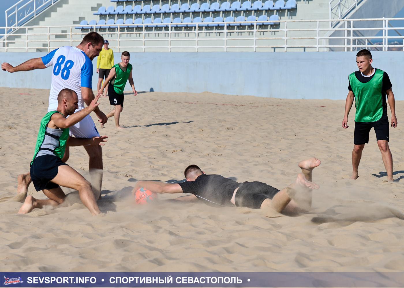 Стартовал Кубок Губернатора Севастополя по пляжному футболу 2021