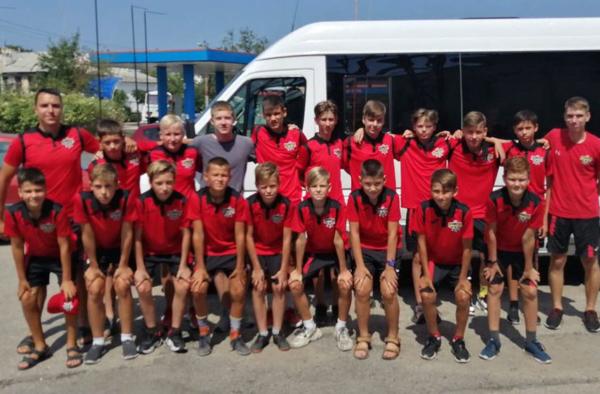 Три юношеские команды МФК «Капитан» провели учебно-тренировочный сбор в Петровке